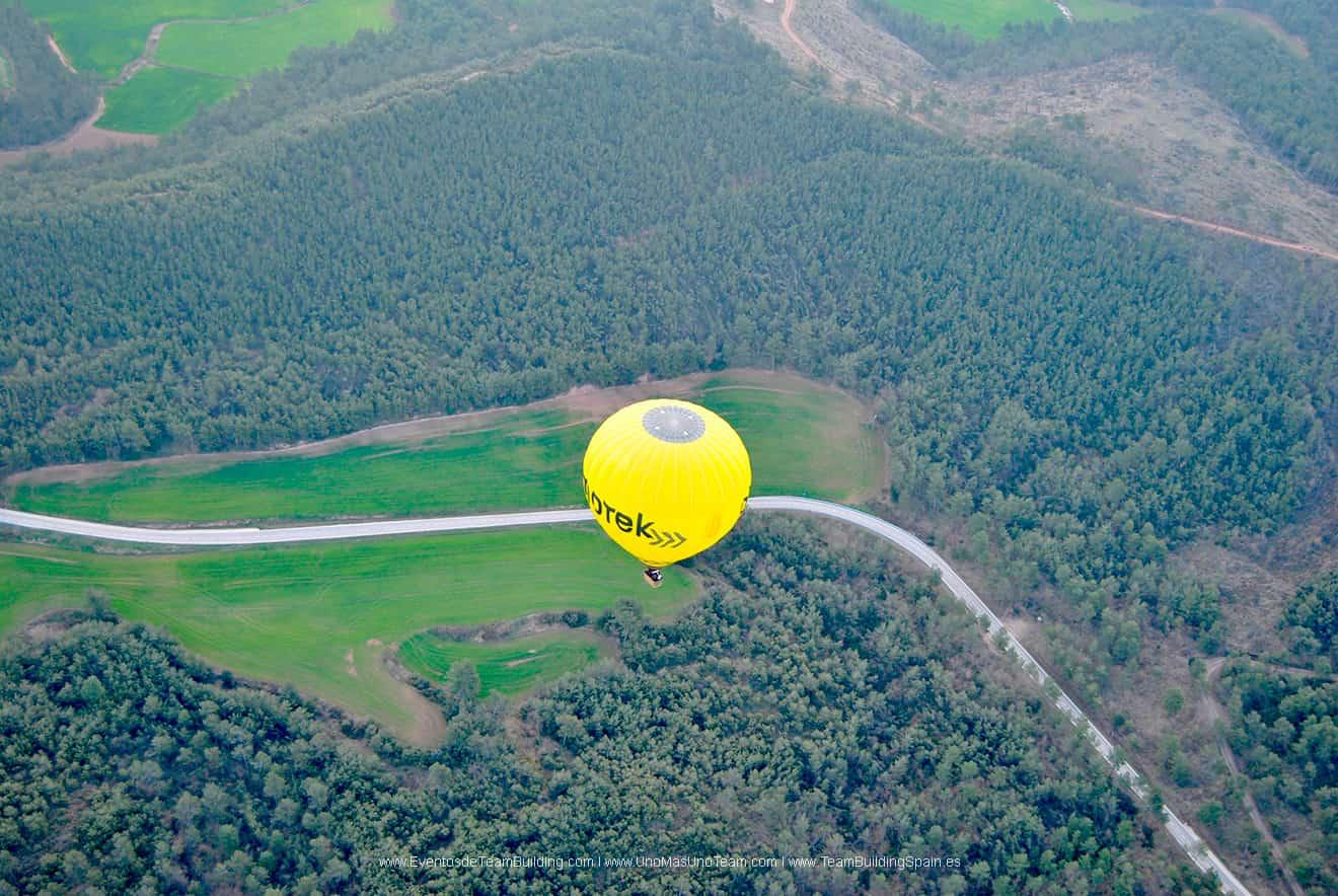 hot-air-balloon-team