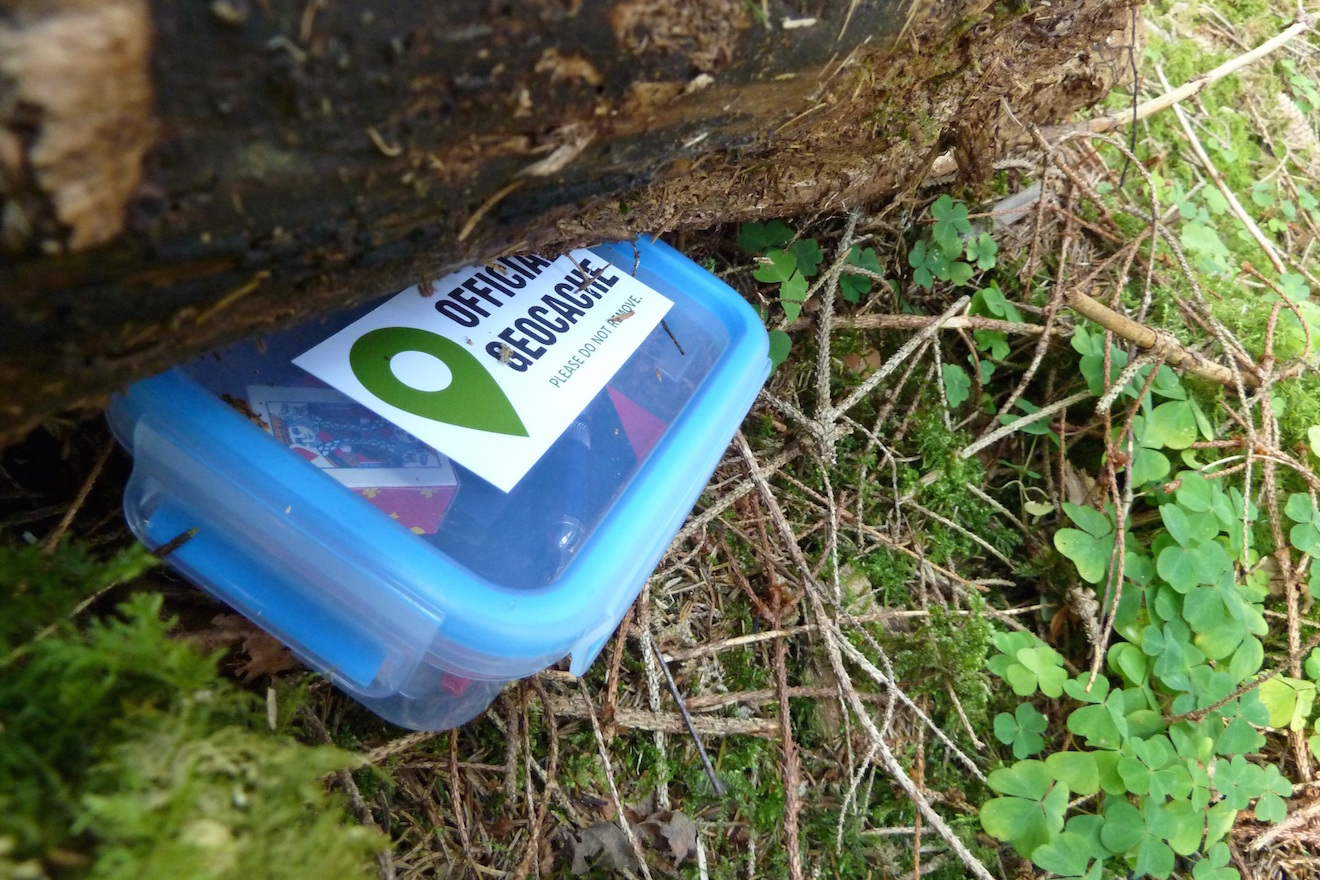 Geocaching Kids I Outdoor Nature Learning Activities for Kids
